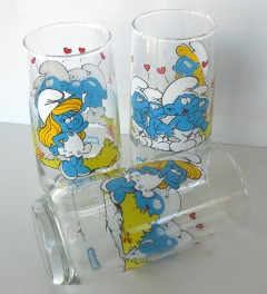 Senfglas mit Comic-Motiven